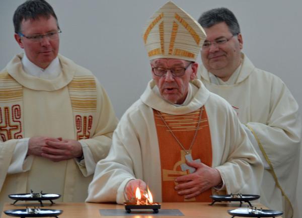 Festlicher Gottesdienst mit Weihbischof Dieter Geerlings (M.), Claus Themann (l.) und Andreas Floringer (r.)