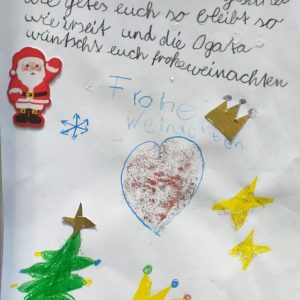 Die OGS Kinder verfassten Nachrichten an die Bewohner der Altenpflegeeinrichtungen